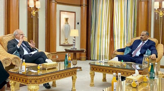 Al-Zubaidi, Aron discuss implementation of Riyadh Agreement